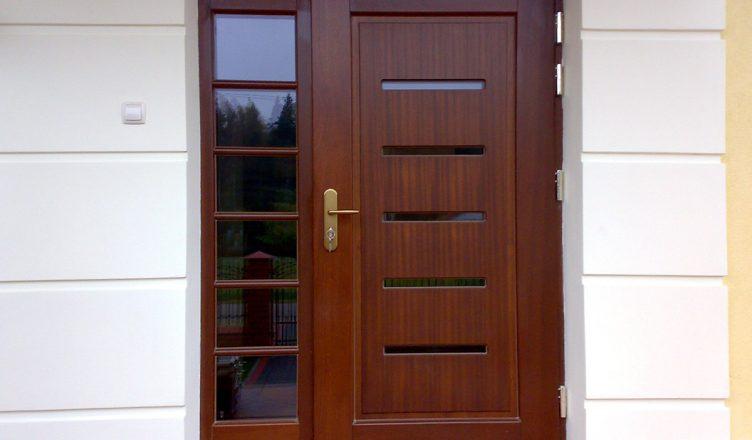 Estetyczne i solidne drzwi zewnętrzne, na co zwrócić uwagę przed zakupem?