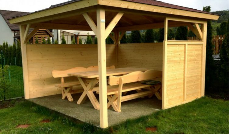Altanki ogrodowe drewniane